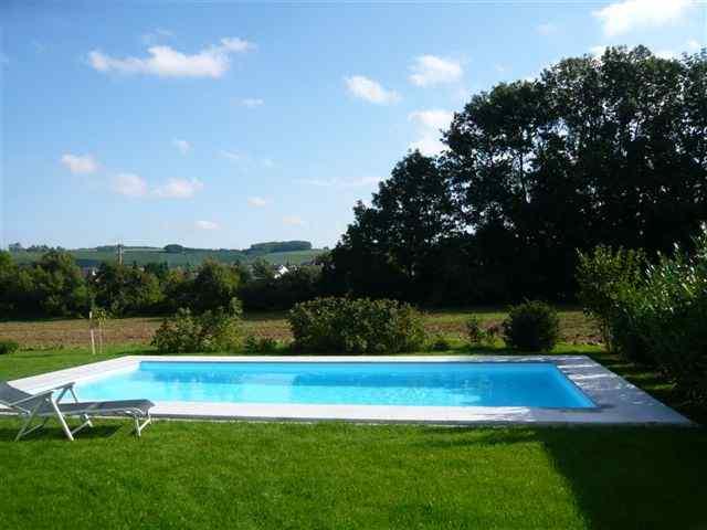 Betonbecken mit folieauskleidung schwimmbeckensysteme for Pool mit folie auskleiden