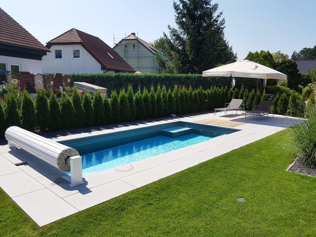 Pool 2,85x6,5x1,5m mit Treppe, Podest und Rollladenabdeckung