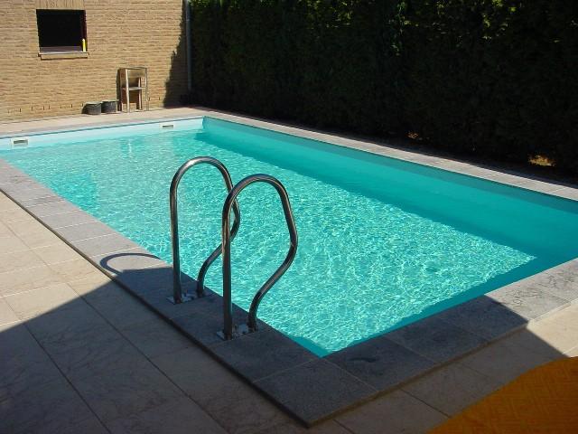 Die Beckeneinfassung Schwimmbad Selbstbau Magazin Fkb