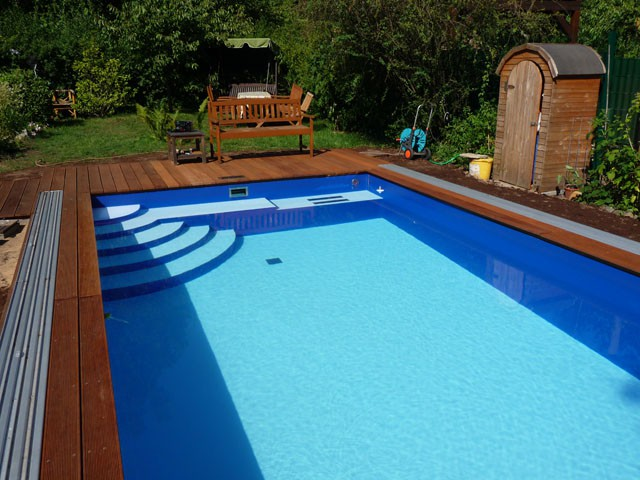 Schwimmbad mit ecktreppe in 4 0x7 0x1 5m allgemein for Couleur pvc arme piscine