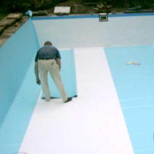 Verlegung der schwimmbad folie inkl verschwei en fkb for Pool folieren