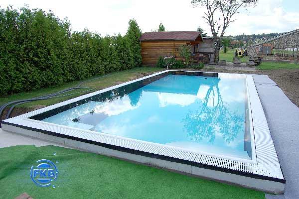 Berlaufrinnen schwimmbecken 9x4x1 5 s w dresden fkb for Schwimmbecken folienauskleidung